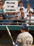 A Marlins fan welcomes Jose to Miami on 6/8/98 (AP)
